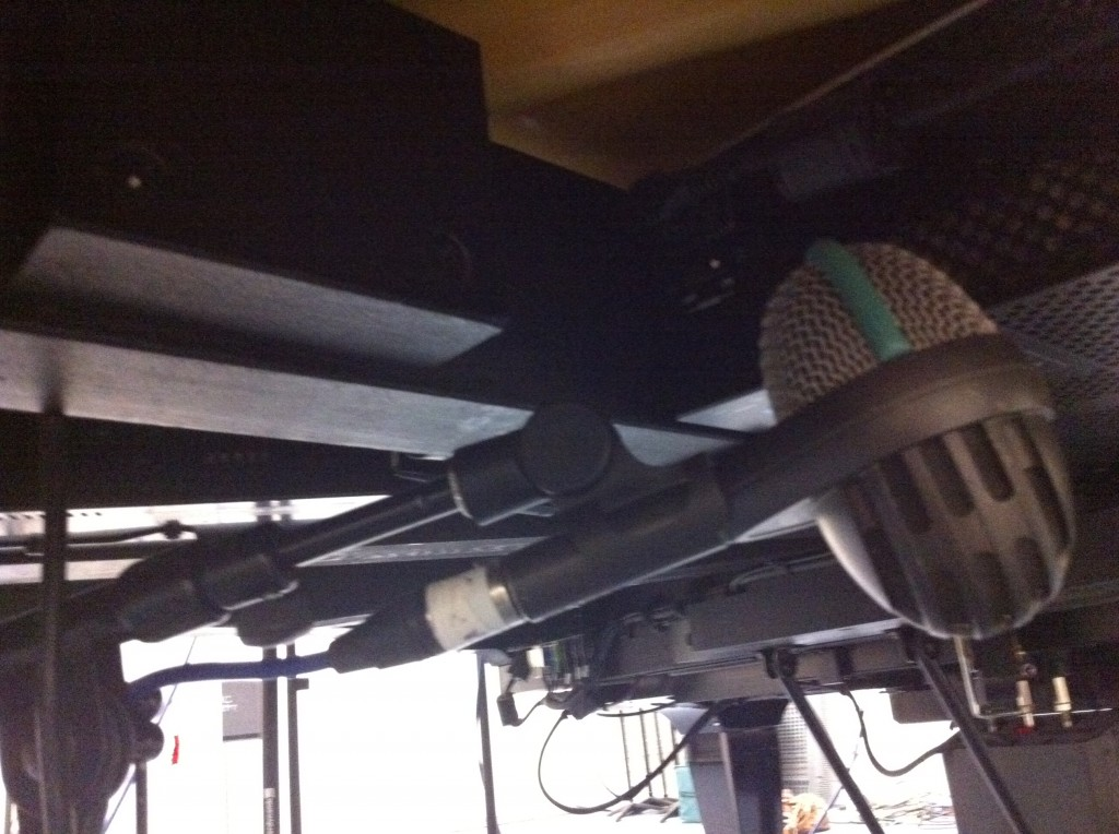 AKG D112 below the piano